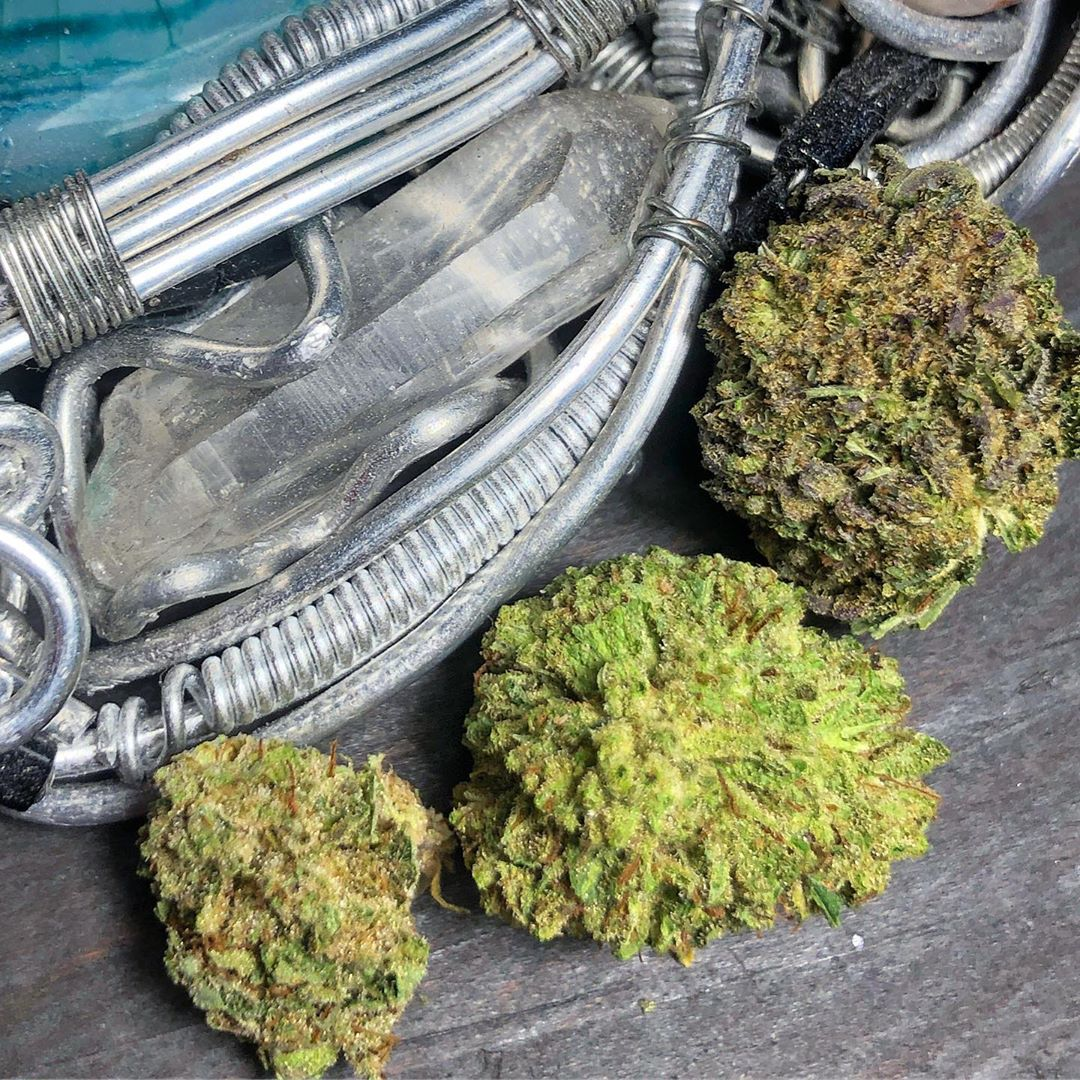 bubba kush hemp flower by fern valley farms cbd strain review by consciouscloudscbd