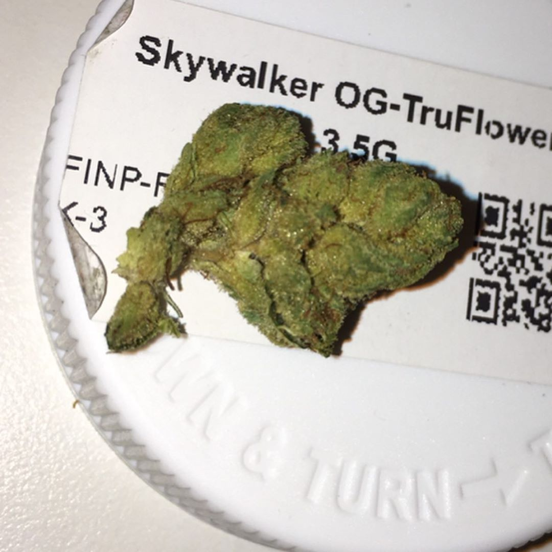 skywalker og flower from trulieve strain review by indicadam