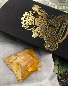 gsc shatter concentrate review by thatcutecannacouple 2