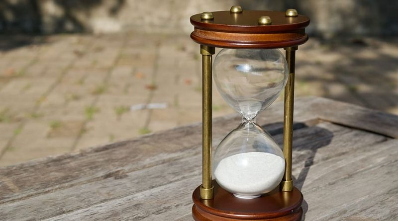 hourglass-time-sand-wood how long is weed good for