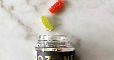 ozone sweet indica and sour sativa gummies edible review by upinsmokesession