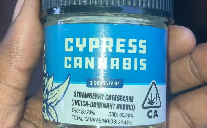 strawberry cheesecake by cypress cannabis strain review by sjweedreview