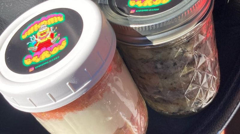 medicated cake jars by chronic cakes edible review by sjweed.review
